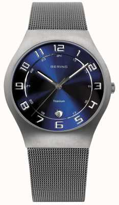 Bering Hommes titane cadran bleu montre bracelet en maille 11937-078