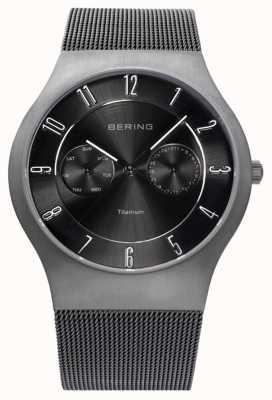 Bering Hommes titane cadran noir montre affichage de la date 11939-077