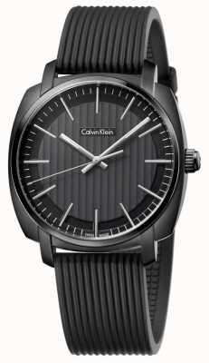 Calvin Klein Hommes de bracelet en caoutchouc noir, cadran noir K5M314D1