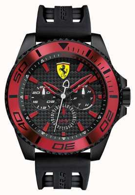 Scuderia Ferrari Mens bracelet en caoutchouc noir cadran noir détail rouge 0830310