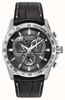 Citizen Homme perpétuel radiocommandé au chronographe cuir noir AT4000-02E